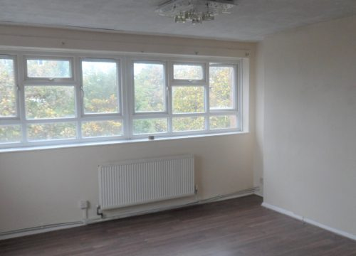 3 Bedroom Flat in Southfields, Wimbledon. SW19