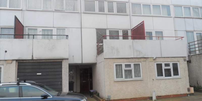 4 Bedroom for Sale in Mitcham