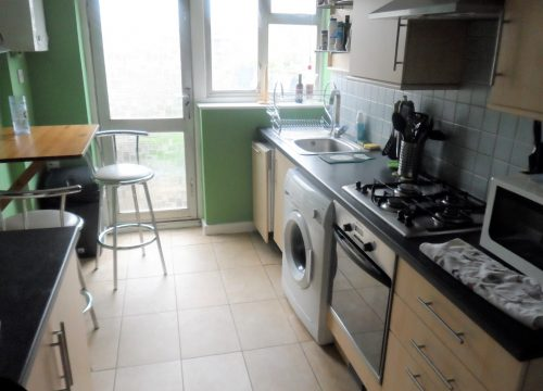 Two Bed Flat in Mitcham