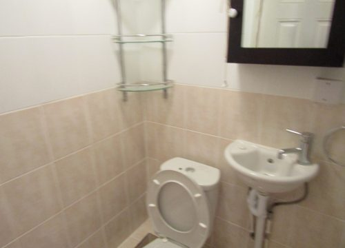 Studio on Cheshire close, MItcham