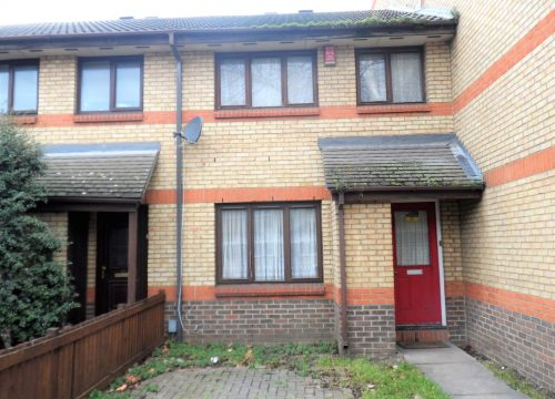 3 Bed For sale in Canning Town, E16