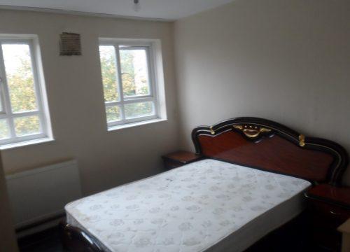 3 Bedroom Flat in Wimbledon